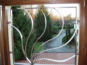 Inferriate di sicurezza bellezza e solidit delle grate - Grate di sicurezza per finestre prezzi ...